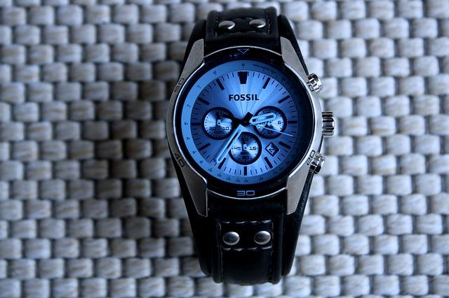 wrist-watch-1237818_640